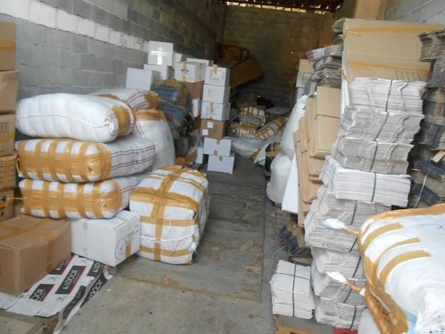 7b2af95e41e Огромно количество дрехи менте в Пещера иззе полицията